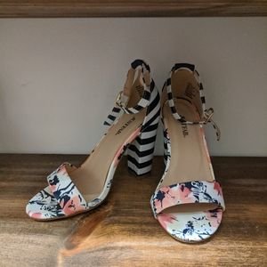 Strappy open toe Block heels stripe and floral